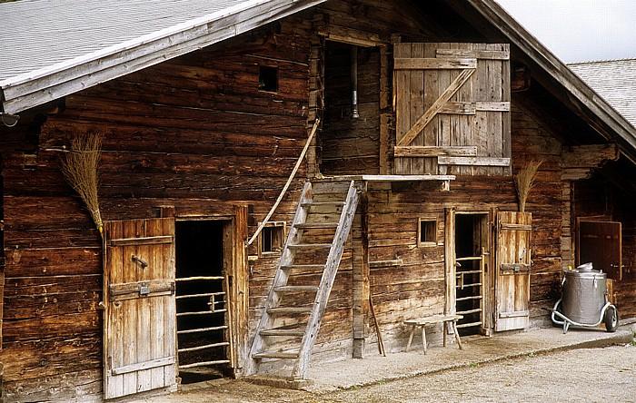 Eng Bauernhof: Stall