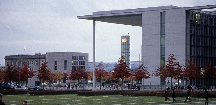 Berlin Tiergarten (Regierungsviertel): Platz der Republik Hauptbahnhof Paul-Löbe-Haus Schweizerische Botschaft