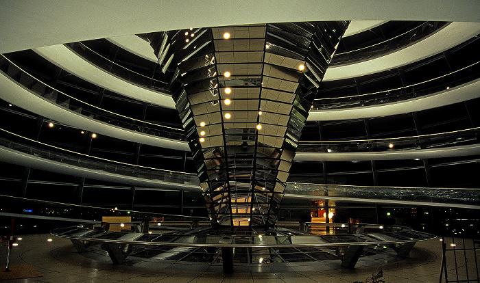 Dach des Reichstagsgebäudes: Gläserne Kuppel Berlin 2008