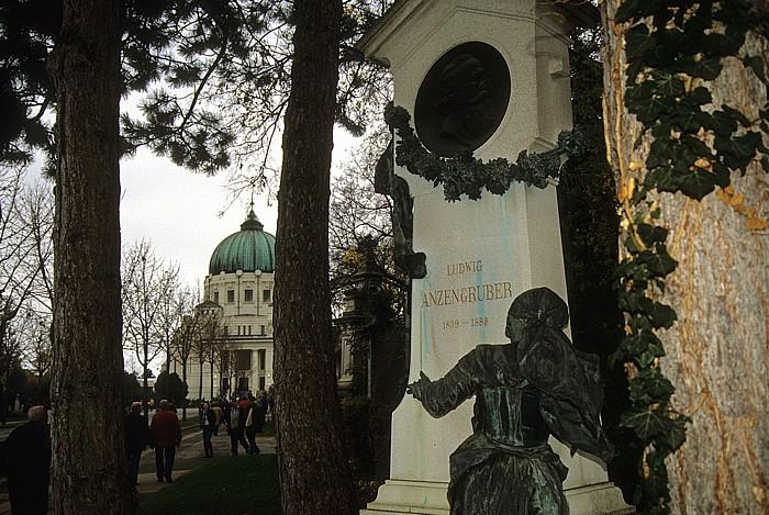 Wiener Zentralfriedhof: Ehrengrab von Ludwig Anzengruber Wien