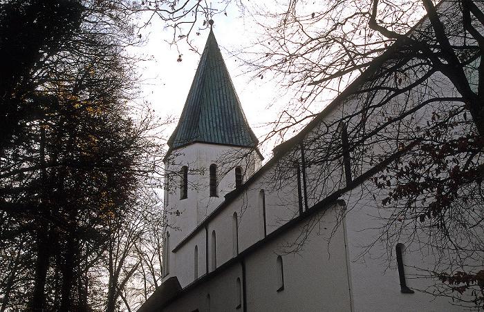 Pöcking Pfarrkirche St. Pius