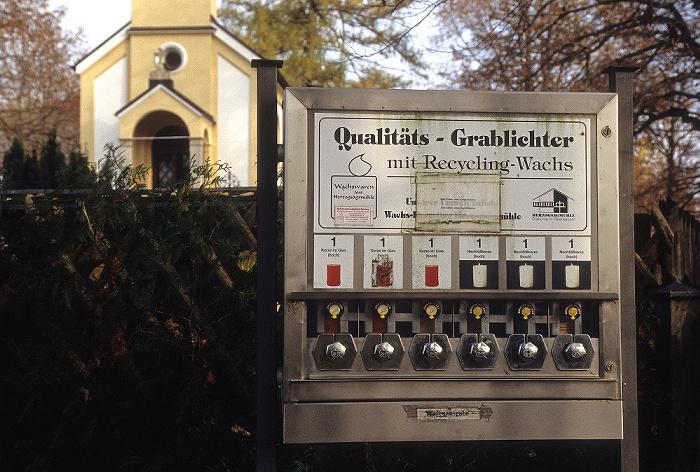 Andechs Friedhof: Grablichterautomat