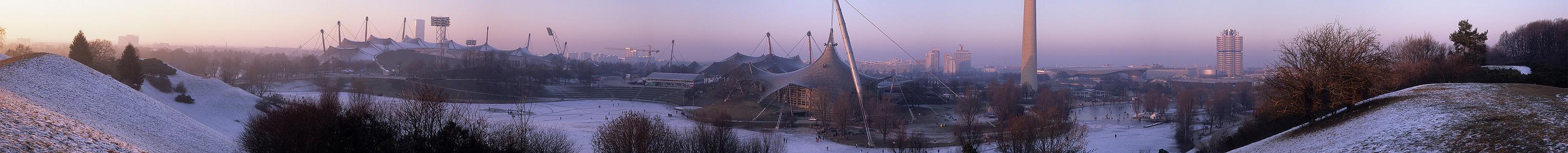 Blick vom Olympiaberg: Olympiapark München