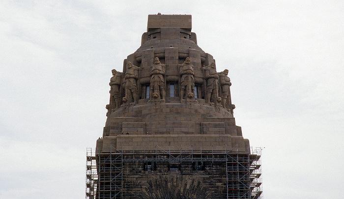 Leipzig Völkerschlachtdenkmal: Denkmalskrone mit den Freiheitswächtern