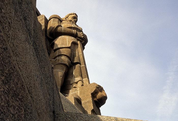 Leipzig Völkerschlachtdenkmal: Denkmalskrone mit Freiheitswächter