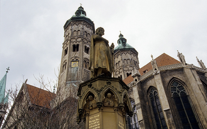 Naumburger Dom St. Peter und Paul Domplatz Ekkehard-Brunnen
