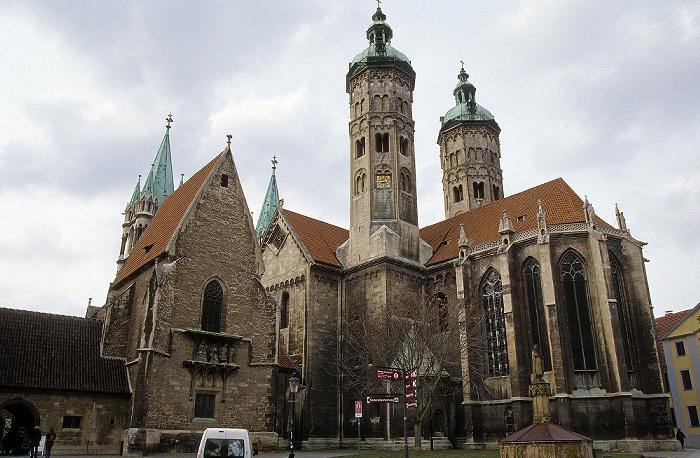 Domplatz, Naumburger Dom St. Peter und Paul Ekkehard-Brunnen