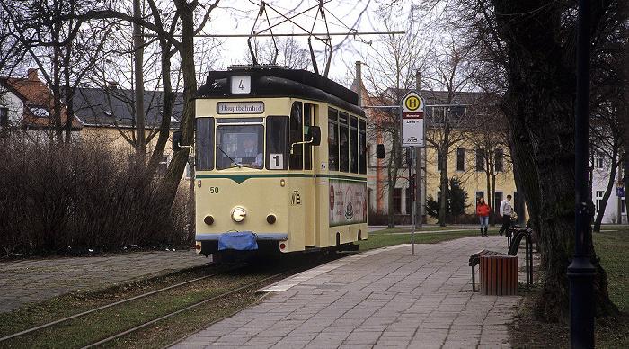 Naumburg Straßenbahnhaltestelle Marientor: Historische Straßenbahn Wilde Zicke