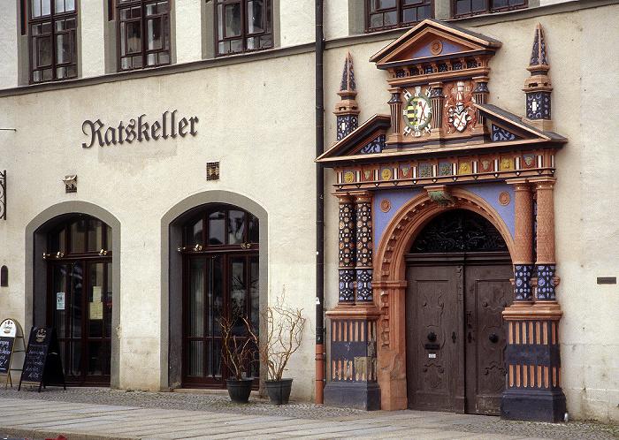 Naumburg Marktplatz: Rathaus: Ratskeller und Rathaus-Portal