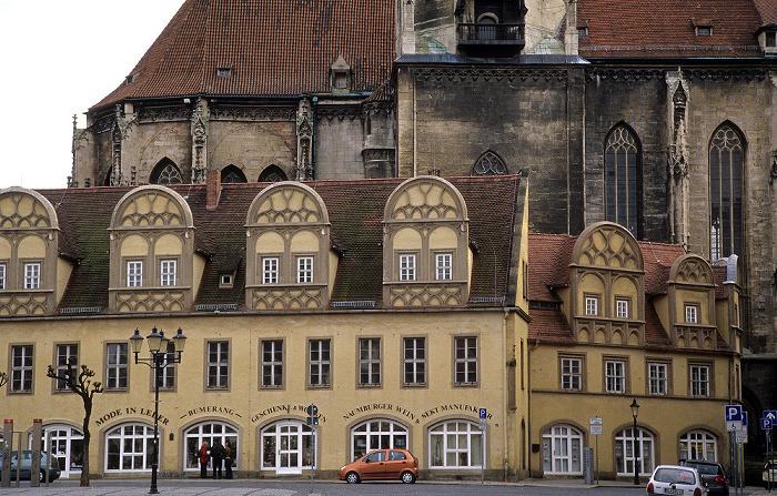 Naumburg Marktplatz: Schlösschen, dahinter die Stadtkirche St. Wenzel