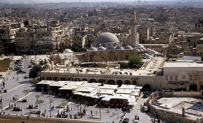 Aleppo Blick von der Zitadelle: Khosrowiya-Moschee Altstadt