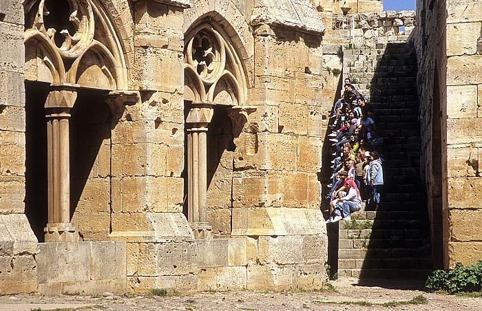 Tell Kalach Krak des Chevaliers: Vorhalle (Portikus, Säulen- oder Pfeilerhalle als Vorbau), Aufgang zum Obergeschoss