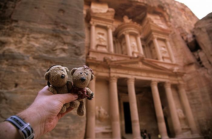 Petra Äußerer Sik (Siq): Khazne al-Firaun (Schatzhaus des Pharao): Teddy und Teddine