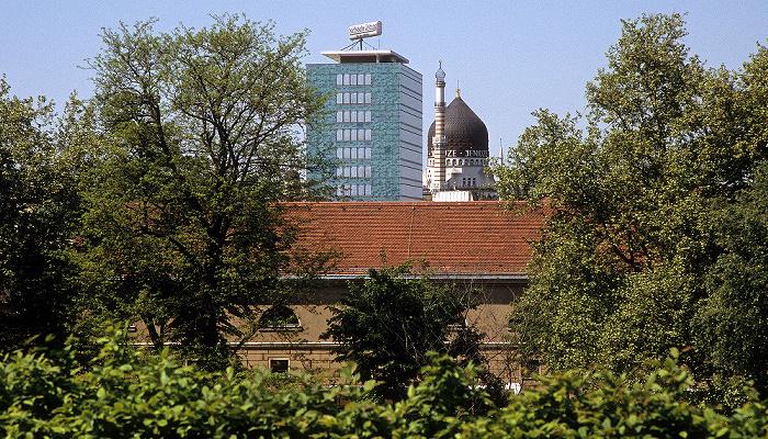 Dresden Innere Altstadt: Blick vom Wallpavillon des Zwingers: Haus der Presse, Yenidze Zigarettenfabrik Yenidze