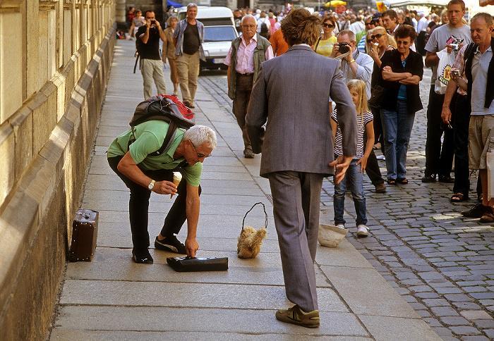Dresden Innere Altstadt: Augustusstraße: Straßenkünstler