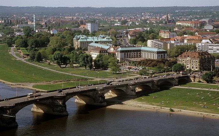 Dresden Bick von der Kuppel der Frauenkirche: Innere Neustadt Augustusbrücke Neustädter Elbufer