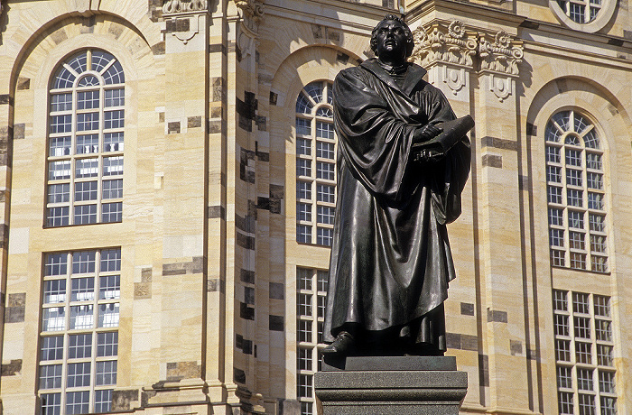 Dresden Innere Altstadt: Martin-Luther-Denkmal Frauenkirche