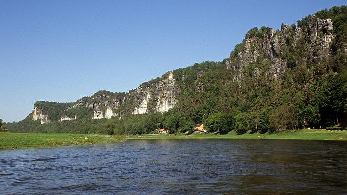 Rathen Blick von der Personenfähre Oberrathen - Niederrathen: Elbe, Elbsandsteingebirge