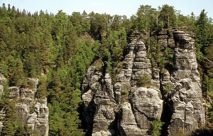 Sächsische Schweiz Blick von der Bastei: Elbsandsteingebirge