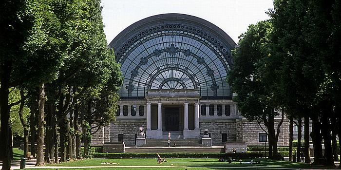 Brüssel Jubelpark (Parc du Cinquantenaire): Ausstellungshalle