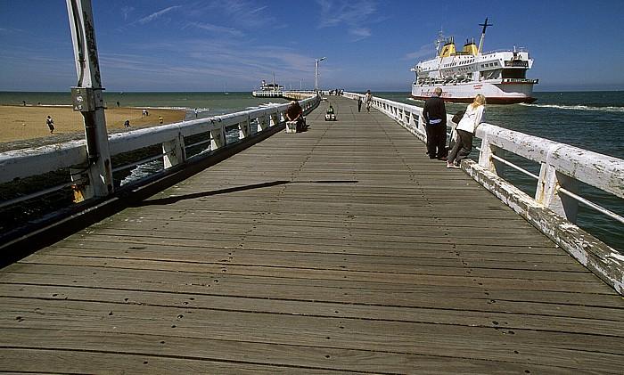 Ostende Mole, Nordsee, auslaufende Fähre
