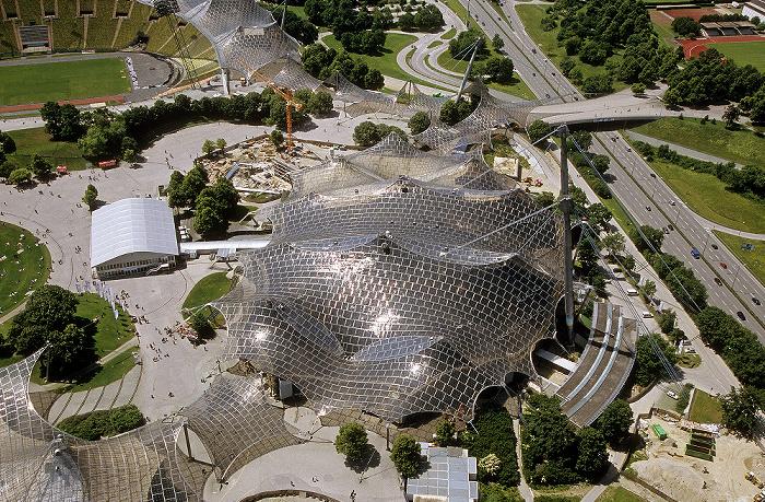 Blick vom Olympiaturm: Olympiahalle München 2009