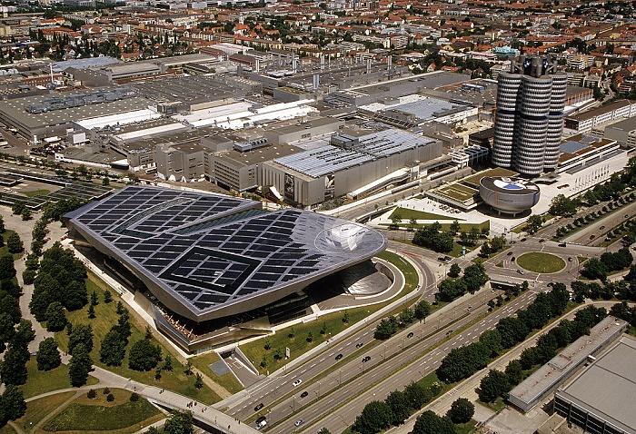Blick vom Olympiaturm: BMW München 2009