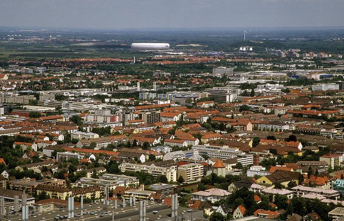 München Blick vom Olympiaturm: Milbertshofen und Schwabing Allianz Arena Fröttmaninger Berg Windkraftanlage Fröttmaning