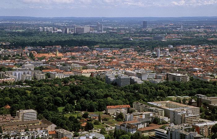 München Blick vom Olympiaturm: Schwabing Arabellapark Bogenhausen Englischer Garten Hypo-Hochhaus