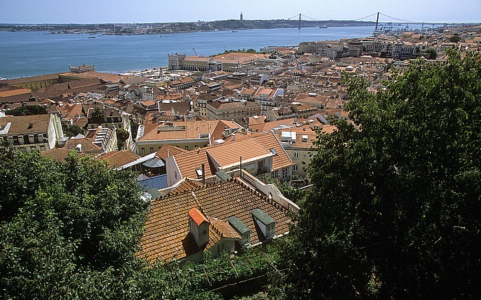 Blick vom Castelo de São Jorge: Baixa, Tejo Lissabon