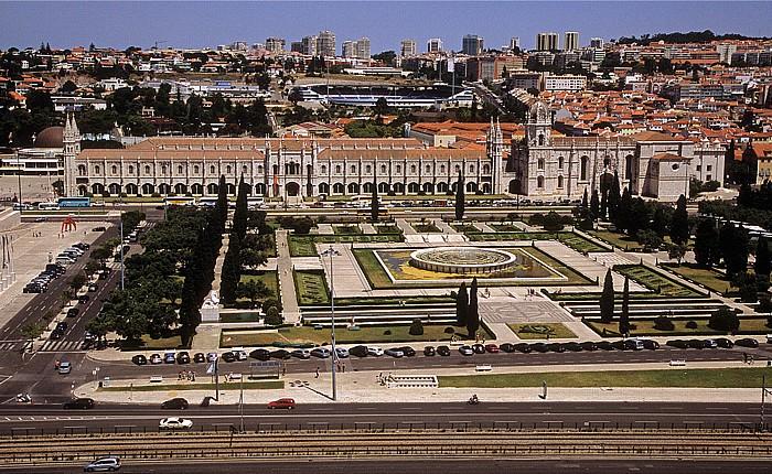 Belém: Blick vom Padrão dos Descobrimentos: Parque da Praça do Império, Mosteiro dos Jerónimos Lissabon 2009