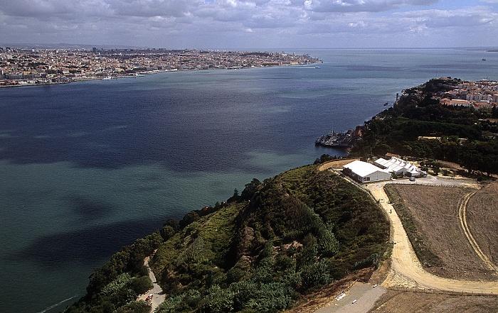 Blick vom Monumento Cristo Rei: Tejo, Lissabon Lissabon 2009