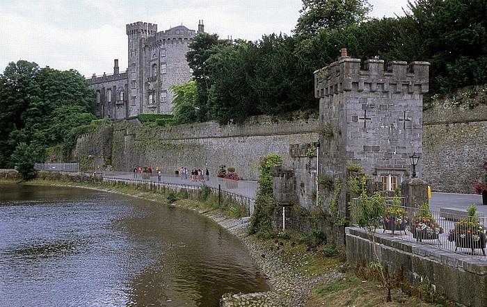 Blick von John's Bridge: River Nore, Kilkenny Castle
