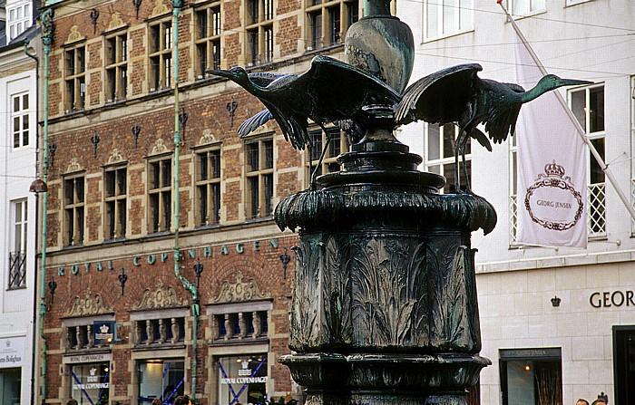 Kopenhagen Strøget (Amagertorv): Störchebrunnen (Storkespringvandet)