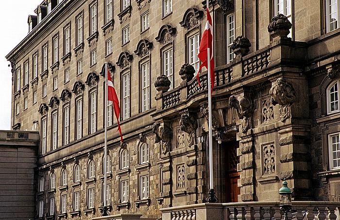 Kopenhagen Slotsholmen: Schloss Christiansborg: Eingang zum Folketing (Dänisches Parlament)