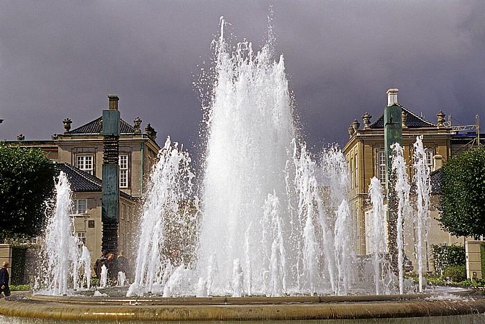 Kopenhagen Amaliehaven: Springbrunnen Schloss Amalienborg