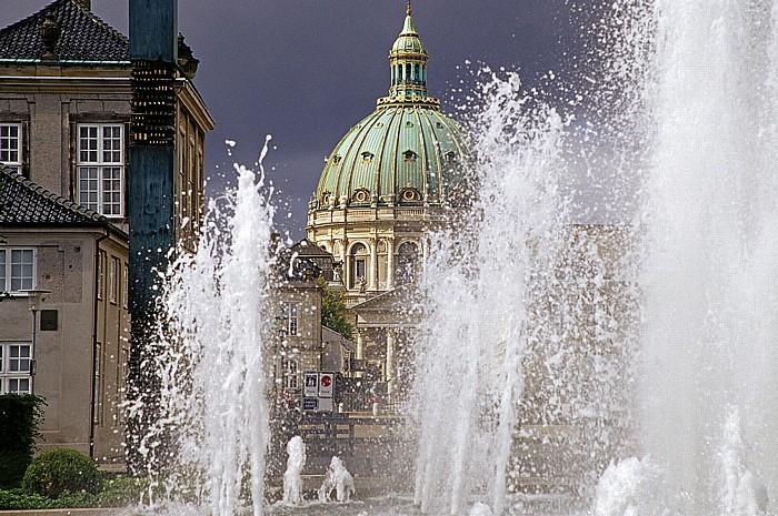 Kopenhagen Amaliehaven: Springbrunnen Frederikskirche