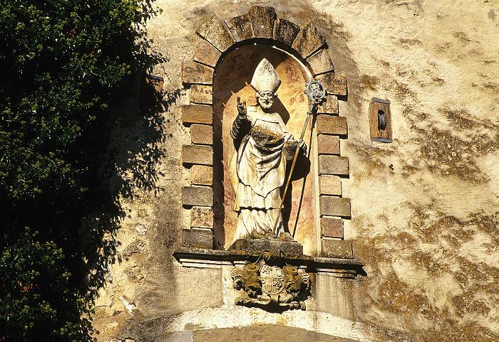 Eichstätt Willibaldsburg: Äußeres Tor: Figur des heiligen Willibald
