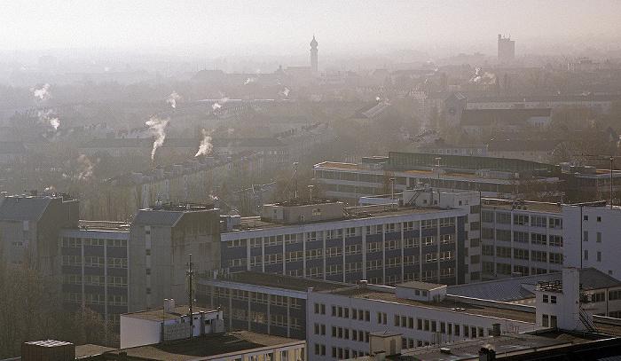 München Blick vom Technischen Rathaus: Ramersdorf Technisches Rathaus Wallfahrtskirche St. Maria (Ramersdorf)