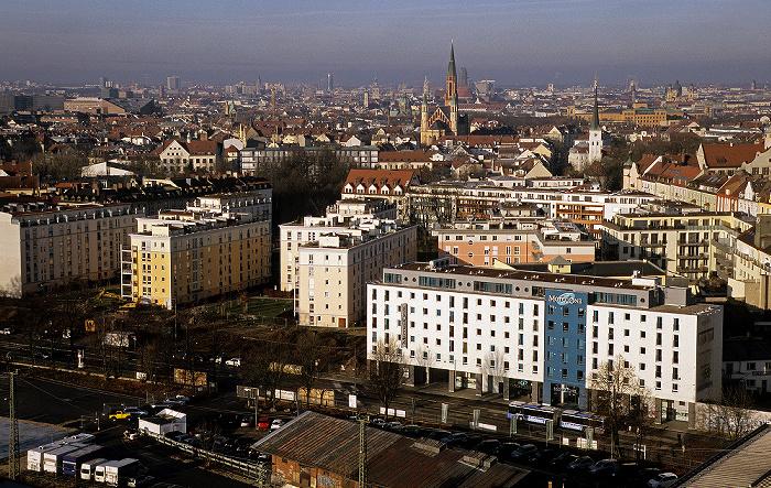 München Blick vom Technischen Rathaus: Haidhausen St. Johann Baptist Technisches Rathaus