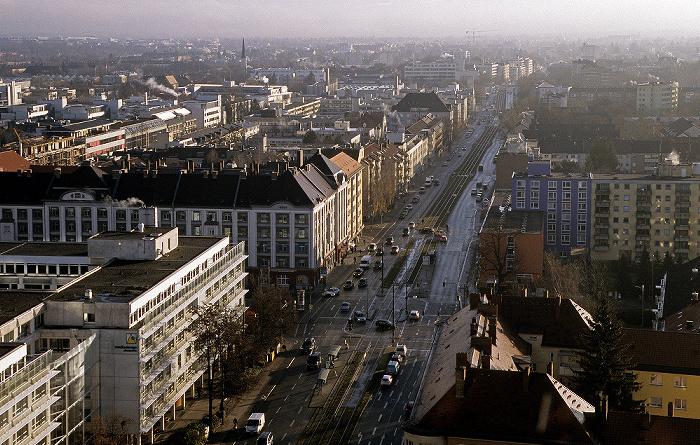 München Blick vom Technischen Rathaus: Berg am Laim: Berg-am-Laim-Straße (Bundesstraße B 304) Technisches Rathaus