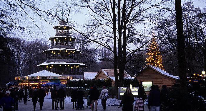 München Englischer Garten: Weihnachtsmarkt am Chinesischen Turm Chinesischer Turm