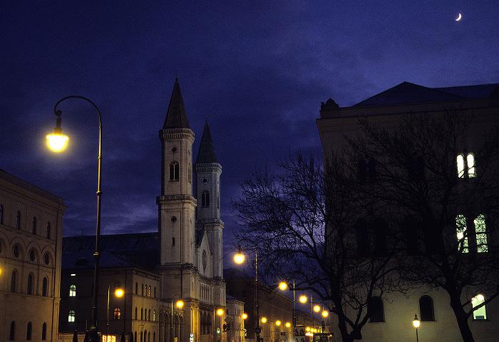 München Maxvorstadt: Ludwigstraße mit St. Ludwig (Ludwigskirche)