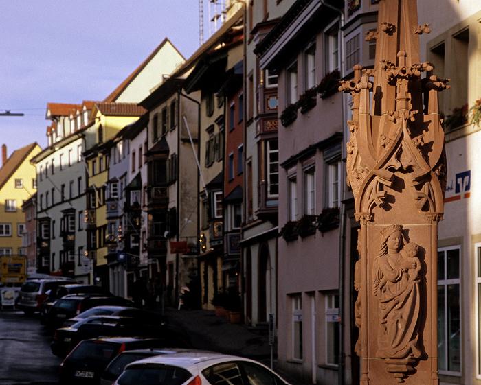 Rottweil Altstadt: Hochbrücktorstraße mit Bürgerhäusern Georgsbrunnen