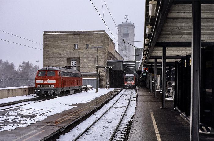 Stuttgart Hauptbahnhof: Gleis 16, Südflügel, Bahnhofsturm