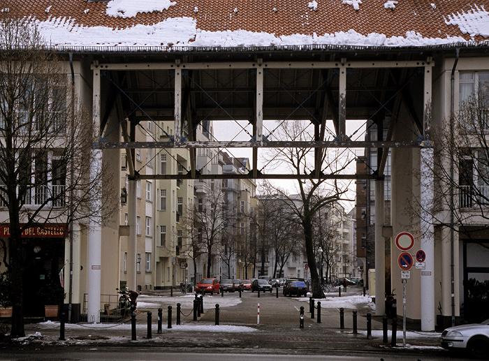 Berlin Charlottenburg: Luisenplatz: Durchgang zur Eosanderstraße