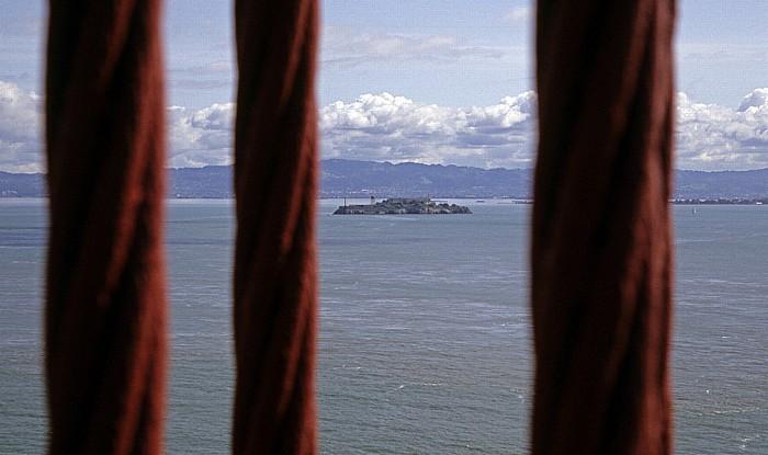 Blick von der Golden Gate Bridge: San Francisco Bay mit Alcatraz Island