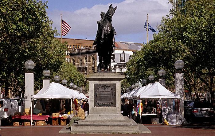 San Francisco Tenderloin: Reiterstandbild von Simón José Antonio de la Santísima Trinidad Bolívar y Palacios Reiterstandbild von Simón Bolívar United Nations Plaza