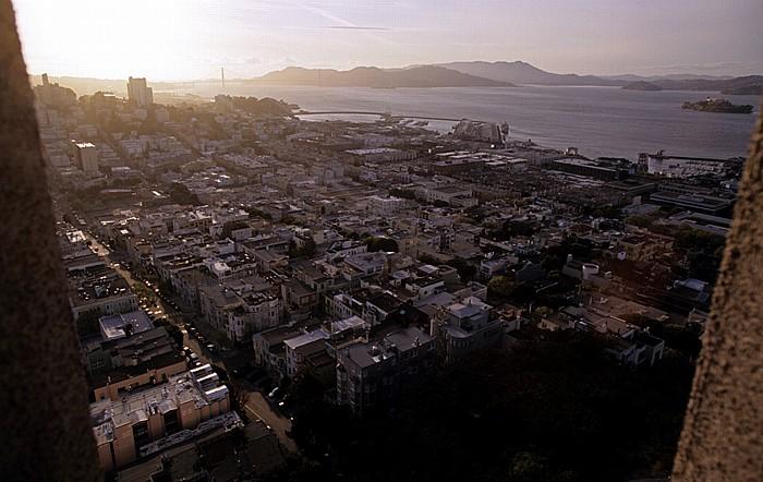 San Francisco Blick vom Coit Tower: Russian Hill und North Beach Alcatraz Island Golden Gate Bridge San Francisco Bay