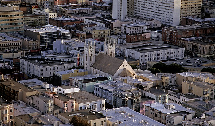 San Francisco Blick vom Coit Tower: North Beach mit Sts. Peter and Paul Church